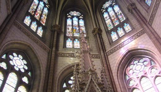 フランスの田舎の教会巡りが大好き!たくさん紹介したいです!