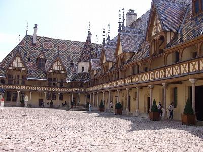 【フランス ブルゴーニュ ボーヌ】オテルデューのワイン博物館祭り♪