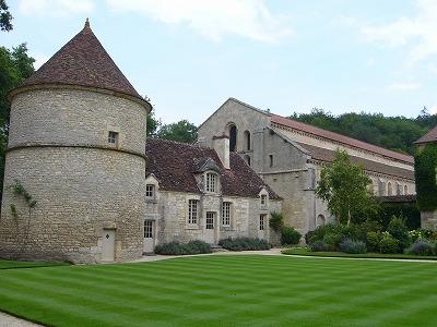 フォントネー修道院